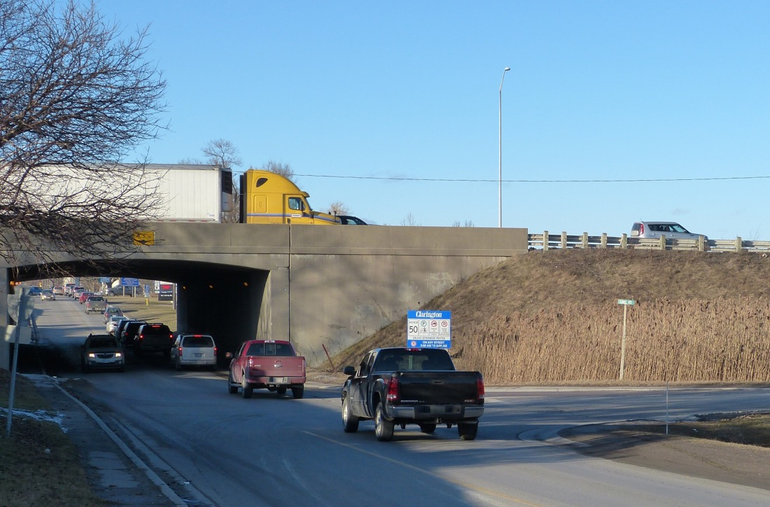 Highway 401 overpass at Liberty Street, Bowmanville