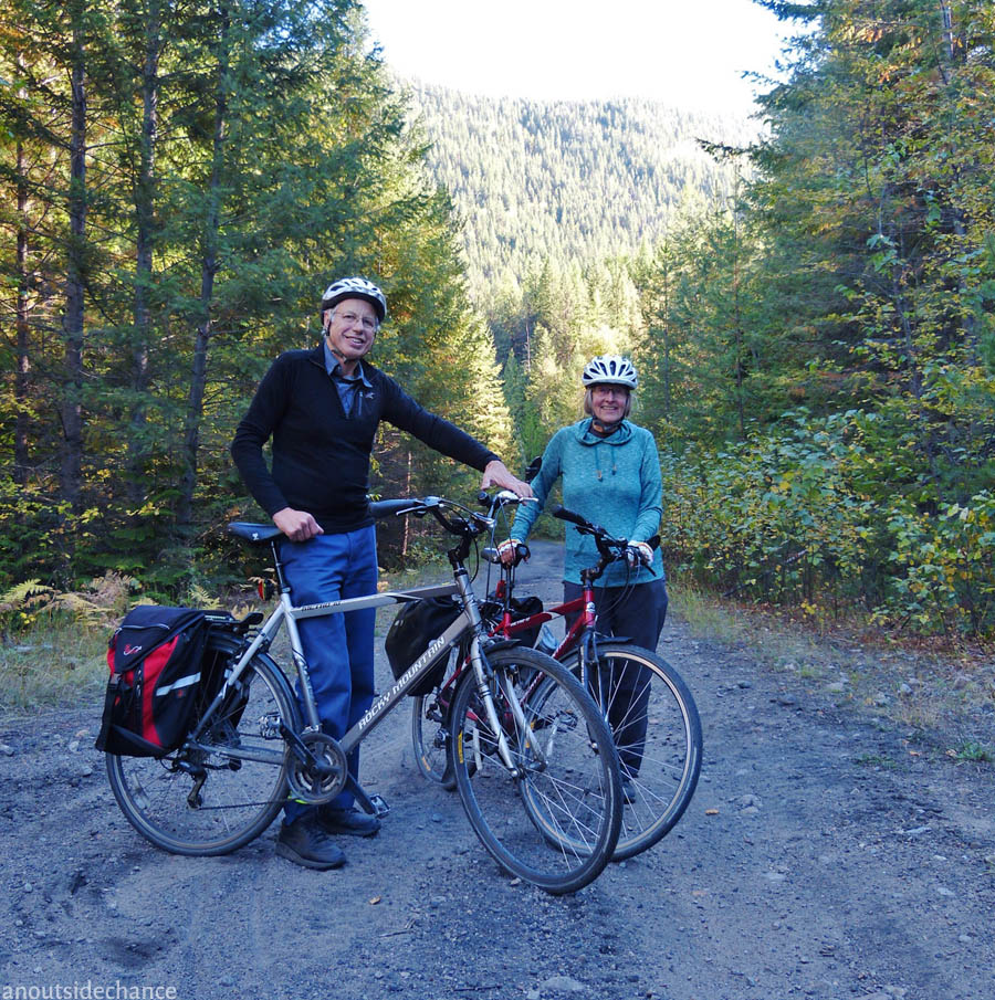 George and Anne Clark were the only cyclists I met in 60 km – but we met at three different places.
